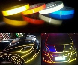 2019 fori di proiettile dell'automobile Striscia decorativa fluorescente del bastone di avvertimento della striscia riflettente del corpo dell'automobile 1.5CMX45M