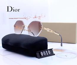 Classic Pilot d Стеклянные солнцезащитные очки для линз Женские мужские солнцезащитные очки Eyeglass UV400 Металлический каркас Смешанные градиентные зеркальные очки с чехлом supplier womens sunglasses mixed от Поставщики женские солнцезащитные очки смешанные