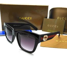 Occhiali da sole eleganti per gli uomini online-Occhiali da sole di alta qualità alla moda maschile e femminile occhiali da sole classici di lusso elegante scatola di imballaggio