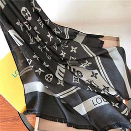 Sciarpa di marca di moda donne belle ultime ultime del progettista in cotone e seta lettera fiore sciarpa di alta qualità può essere all'ingrosso da