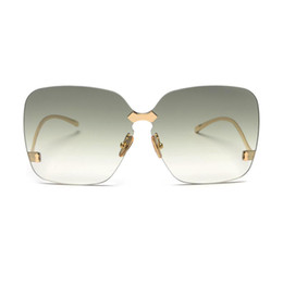 Oversized Moda óculos de sol das mulheres Gradiente tingido lente sem aro  óculos de sol do sexo feminino Quadrado verde óculos de sol dos homens  marca ... 3d7614a517
