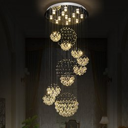 2019 ombra di pendente rossa Lampadario di cristallo Light Fixture Lampada moderna per soggiorno Sala hotel Decorazione interna Lampada soffitto scala 11 palle 110-220V