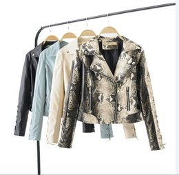 costumes de spectacle réguliers Promotion manteau de poignets court en cuir d'unité centrale de la mode 2019 de la livraison gratuite femmes bretelles Slim veste de moto polyvalent