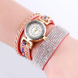Cadena de oro de moda Pulsera de la señora reloj de cuarzo Moda de cuero Mujeres Casual Muñeca VENTA CALIENTE desde fabricantes