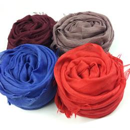 2019 femmina musulmana Sciarpe multicolori Scialle morbido di alta qualità in cotone color caramello Scialle femminile in puro colore Sciarpe musulmane Hijab Sciarpa testa femmina musulmana economici
