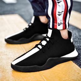 sapatas de borracha pretas coreanas Desconto Estilo coreano Air Mesh Slip-On Tênis De Borracha Patchwork Rua Calçado Hip Hop Moda Homens Sapatos Brancos Apartamentos Pretos