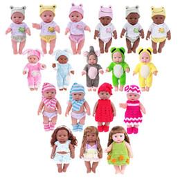 bambole veramente animate Sconti ewborn Nero Bianco Reborn Baby Doll di simulazione morbidi in vinile per bambini Lifelike Dolls Ragazze Finta Play Giocattoli per regalo di compleanno Neonato nero ...