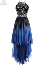 Холтер синие платья для коктейля Высокие передние низкие задние шифоновые кристаллы с бисером без рукавов молния контрастного цвета вечернее платье от Поставщики розовое платье для коктейля
