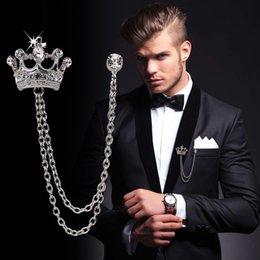 Broche checo online-Broche de diamantes para hombres de gama alta Traje de corona Insignia de pasador de solapa Boutonniere vintage Broches de cristal checo Broches para hombre Joyería de boda Favor de fiesta