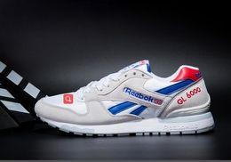 Cómodos zapatos hombres online-2019 HY PRM QS zapatos de moda baratos para hombres y mujeres, zapatos de ocio coloridos, coloridos y cómodos, zapatos de cuero 36-44