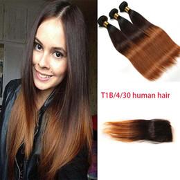 trame de cheveux bohème Promotion couleur brésilienne ombrée brésilienne T1B / 4/30, extensions de cheveux humains raides 3 faisceaux avec fermeture à lacet 4 * 4, mèches de cheveux libres / moyennes / en trois parties, 350g