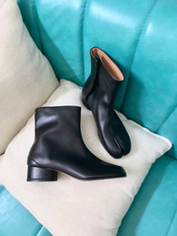 margiela leder Rabatt Neue 2019 hochwertige Damen Designer Maison Martin Margiela Echtleder Damen Tabi Stiefel Drop Shipping Größen 35-40