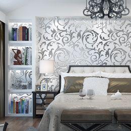 Papel de parede do ouro da sala de estar on-line-parede nova casa moderna minimalista papel de parede TV 3D estéreo prata fundo de ouro sala de estar quarto flor Europeia gancho folha mural de parede