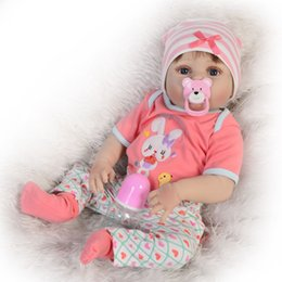 2019 silicone corps entier bébés 57CM Full Body Soft Silicone Reborn Baby Doll Bathe Toys réaliste poupée en vinyle mignonne Bebe Real Reborn Boneca poupée vente chaude silicone corps entier bébés pas cher
