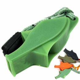 2019 materiais de chaveiro por atacado Treinadores Árbitro Apito com cordão 4 cores Plastic Dolphin Whistles para Futebol Futebol Basquetebol Lifeguard Survival Dog Training M616F