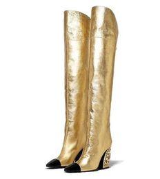 Botas altas de salto alto das mulheres pérola de salto alto de couro de patente tamanho grande stovepipes joelho Martin botas de equitação de Fornecedores de relógio de pulso de quartzo ouro