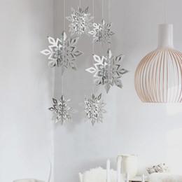 karton hängen Rabatt 6 Teile / satz Pappe 3D Hohle Schneeflocke Hängende Ornamente Neujahr Weihnachtsschmuck für Home Party Dekoration Natal.Q