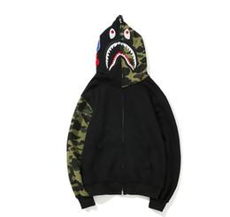 abrigo japonés con capucha mujer Rebajas Camuflaje Hombres y Mujeres Hip hop Sudadera con capucha de tiburón Primavera Otoño Marea japonesa Camuflaje Tarjeta de costura Zipper Sombrero Camisa Moda de calle Abrigo