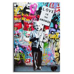 """moderne große blumenmalereien Rabatt Gemälde Wandkunst 1 Stück Banksy Art """"Liebe ist die Antwort"""" Leinwand Bunte Graffiti Street Artwork Ein Mann hält ein Zeichen Bilder"""