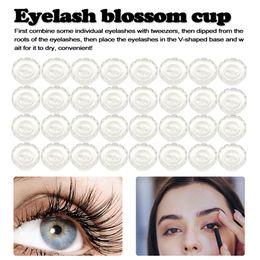 2019 кубок цветения 50pcs Disposable Eyelashes Extension Blossom cup eyelashes glue holder plastic Stand Flowering Blossom cup Eyelash Tools дешево кубок цветения