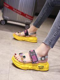 rete piatta Sconti 2019 estate nuovi sandali netti rossi femminile versione coreana del selvaggio moda strass-bottom strass cristallo romano sandali piatti donne