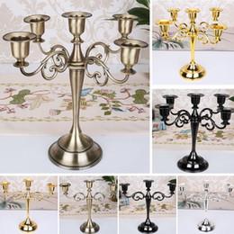 2019 stands de boda baratos Candelabros de metal para candelabros de 5 brazos / 3 brazos Candelabro de cena con velas Cena de boda Decoración de velas de Navidad Artesanía FA1902