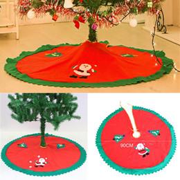 Santa decorado árboles de navidad online-Árbol de navidad falda Evento Suministros para fiestas para el hogar Decorar Regalos No tejido Papá Noel faldas de árboles Ornamento