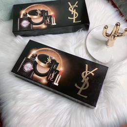 Almofada de perfume on-line-Marca Maquiagem Maquiagem Matte rouge um lèvre Batom + 30ml Perfume + almofada de ar 4pcs Fundação em 1 Set