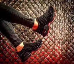 Scarpe da ginnastica strass online-Fashion Luxury Red Bottom Uomo Donna Casual Spikes Rivetti Strass Scarpe Low Top Scarpe da passeggio Sneakers Chaussures De Sport Slip on