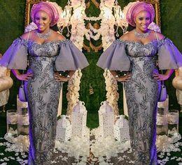 2019 encaje gris africano Aso Ebi Grey Sexy 2019 vaina africana Vestidos de noche fuera del hombro Vestidos de fiesta con cuentas de encaje Fiesta formal formal Dama de honor Vestidos de fiesta encaje gris africano baratos
