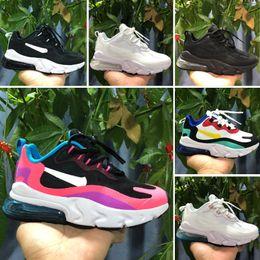 Nuevos zapatos de llegada para niños online-Nike Air Max 270 React Nueva llegada Niños 27 Entrenadores Diseñador Niños Atléticos Niños y niñas Zapatillas de deporte de aire Regalo para niños pequeños