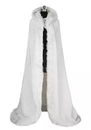 2019 jaqueta vermelha de ombros de pele falsa 2019 Luxo Elegante Barato Nupcial Quente Capa de Pele De Inverno Branco Mulheres Jaqueta Nupcial Até O Chão Casacos Casaco de Casamento AL84