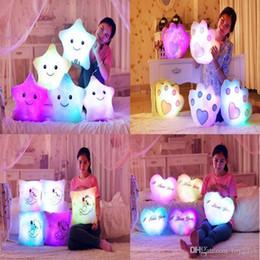 Canada LED Flash Light Hold oreiller cinq étoiles, ours, coeur poupée en peluche animaux jouets en peluche éclairage cadeau enfants cadeau de Noël en peluche jouets en peluche Offre