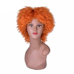 Perucas de laranja curto on-line-8 polegadas Curly Laranja Encaracolado Peruca Cosplay para Alice no País Das Maravilhas 2 Mad Hatter Tarrant Hightopp Perucas Sintéticas