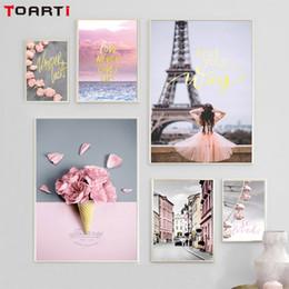 rosa blumenplakate Rabatt Pink Rose moderne Stadt Nordic Poster und Leinwand Malerei Wohnzimmer Dekor Paris Eis Blumen Wandkunst Bild Wandbilder zu drucken