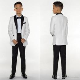 2019 костюмы для общения Мужские смокинги Boys Dinner Suits Формальные костюмы для мальчиков Tuxedo для детей Tuxedo Официальные случаи Белые и черные костюмы для человечков Три части
