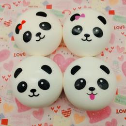 Amuleto de panda online-Squishies Panda Baby Bun Pan Llaveros Encantos Correa para el bolso Kawaii Cake Squishies Levantamiento lento Teléfono celular Llaves del coche Squishy suave Llaveros