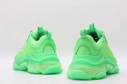 2019 sapato novo da forma velha 2019 Multi Luxo Triplo S Designer Baixo Velho Pai Solas de Combinação Nova cor Mens Womens Moda Casual Sapatos de Alta Qualidade de Topo Tamanho 36-45 desconto sapato novo da forma velha