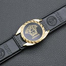 conjunto de brazalete de oro antiguo Rebajas Medusa Cinturones de diseño de lujo Hombres Cinturones de cuero de alta calidad Marca Carta automática Hebilla de metal Cinturones Cinturones de cintura Negro