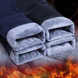 2019 calças de veludo para homens preto Moda Inverno Jeans Homens Slim Fit Preto Trecho Grosso Calças De Veludo Jeans Quentes Calças Casuais de Lã Masculino Plus Size Roupas desconto calças de veludo para homens preto