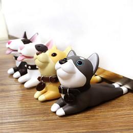 Cão bonito Dos Desenhos Animados Rolha Porta Titular Bull Terrier PVC Proteção Segurança Do Bebê Decoração de Casa Figuras de Animais Brinquedos Para As Crianças de Fornecedores de célula q