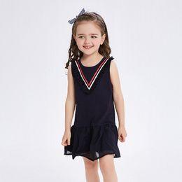 Vestido de comprimento reto joelho on-line-Verão novas crianças roupas na altura do joelho-comprimento chiffon barco pescoço saia sem mangas reta para meninas estilo breve dress