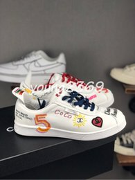 19SS Pharrell Williams Graffiti Coréia Ace sneaker Low Top Sneakers Mens Sapatos de grife Moda casual Sneakers Womens Chaussures Tamanho 11 de