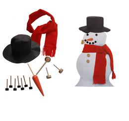 Bocas de brinquedo on-line-DIY Vestida de madeira boneco de neve Kit de Natal Decor conjunto de acessórios do kit DIY Olhos nariz tubos Botões Scarf Hat 13pcs / set Crianças Xmas Toy LA280
