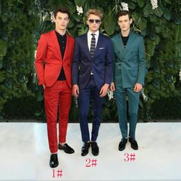 2019 esmoquin verde azul Hombres rojos Blazers Novio azul Esmoquin Trajes de hombre verde para trajes de boda Pantalones Dos botones Slim Fit Traje Homme 2Piezas Escudo Terno masculino esmoquin verde azul baratos