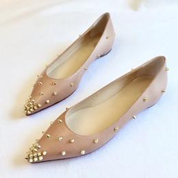 2019 sandalias doradas de fiesta Zapatos de las mujeres zapatos de vestir de boda inferiores del rojo sandalias de plataforma zapatillas Diseñador inferior rojo Golden Spikes sandalia de charol las mujeres del partido sandalias doradas de fiesta baratos