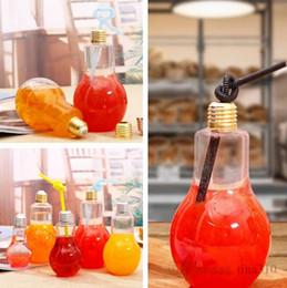 Garrafa de bulbo on-line-Nova lâmpada garrafa de bebida de leite garrafa de chá garrafa de suco de plástico copo de iogurte criativo com copo de palha ferramentas Drinkware 4680