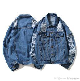 Дизайнерская куртка Модные мужские джинсовые мотоциклетные куртки с отворотом Повседневная мужская джинсовая куртка Синее отверстие с вырезом Джинсовая топ-стрит Популярное пальто M-xxl cheap xxl motorcycle jackets от Поставщики xxl мотоциклетные куртки
