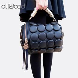 sac à main designer 2019 Sacs à main pour femmes Boston Ladies Tassel Button Messenger Bags Sacs à bandoulière en cuir Designer Bucket Bag Clutch Bolsas ? partir de fabricateur