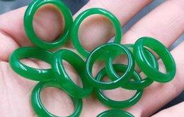 smaragd jade ringe Rabatt NEUES Modell realer Stein smaragdgrüner Jadehandgravur Ringe Groß- und Kleinhandel geben bester Ring des Verschiffens frei